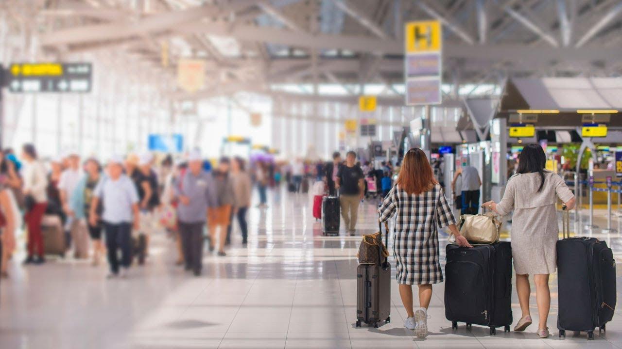 Derechos de las personas consumidoras en caso de retrasos inesperados en el transporte aéreo