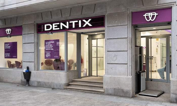 ADICAE ANDALUCÍA estima que cerca de 100.000 personas consumidoras se verán afectadas por el posible cierre de Dentix